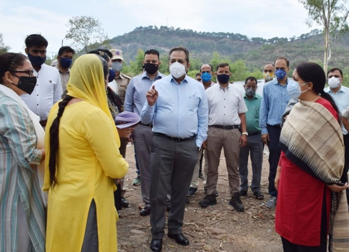 Advisor Baseer Khan visits Udhampur, reviews COVID control measures, Inspects RDD works and progress on works of Panchayat Ghars