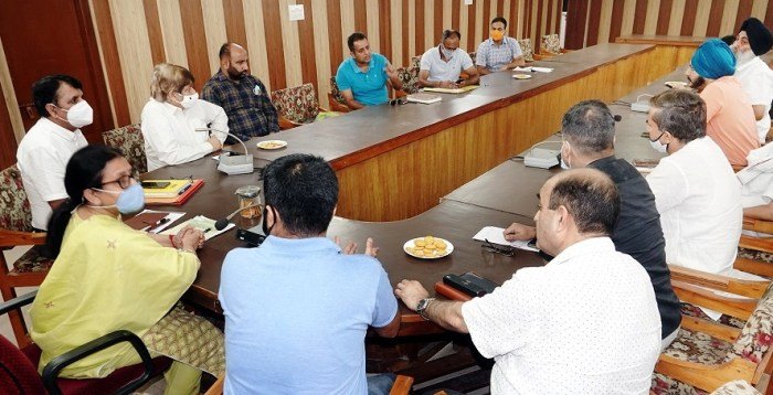Director Animal Husbandry Jammu holds interaction with Dairy farmers