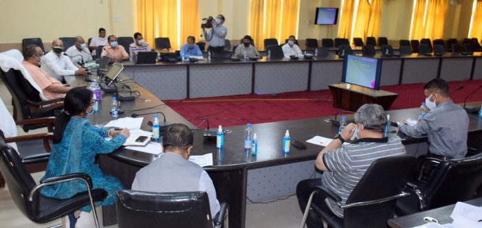 Navin Choudhary visits Ramban, reviews projects, fixes timelines