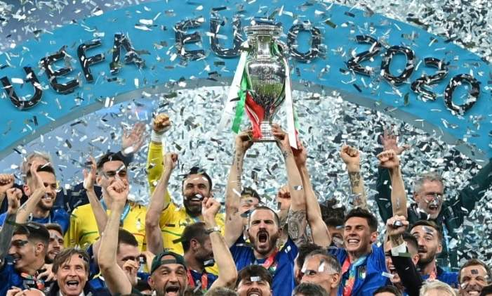 Italy beat England on penalties to win Euro final