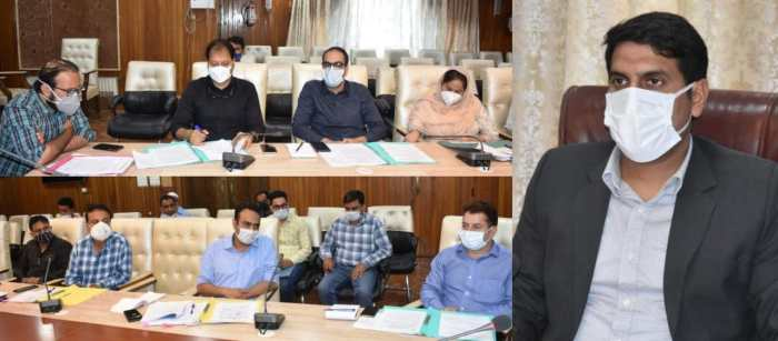 DDC Sgr chairs meeting of Sub Committee for rehabilitation of Dal dwellers