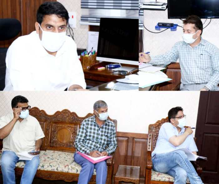 DDC Srinagar reviews Action Plan for Implementation & Monitoring of National Clean Air Programme