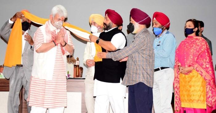 Delegation of Sikh Community calls on Lt Governor, highlights several demands of the community
