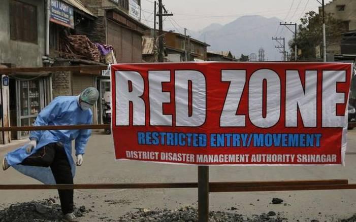 Srinagar again turns into COVID hotspot as gross violations continue