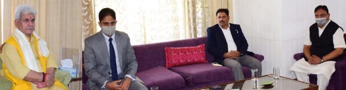 Srinagar Mayor calls on Lt Governor