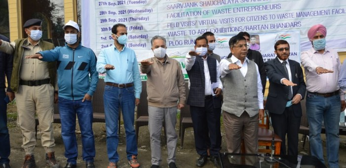 Union MoS Education visits Gulmarg, Leads Swachh Bharat Abhiyan on Gandhi Jayanti