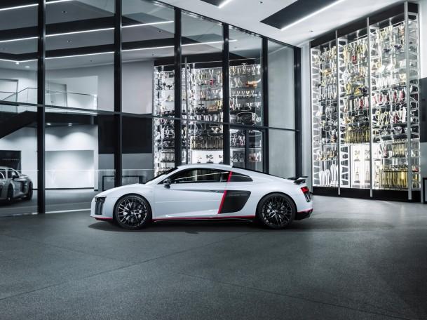 Audi-R8-Coupe-V10-plus-selection-24h