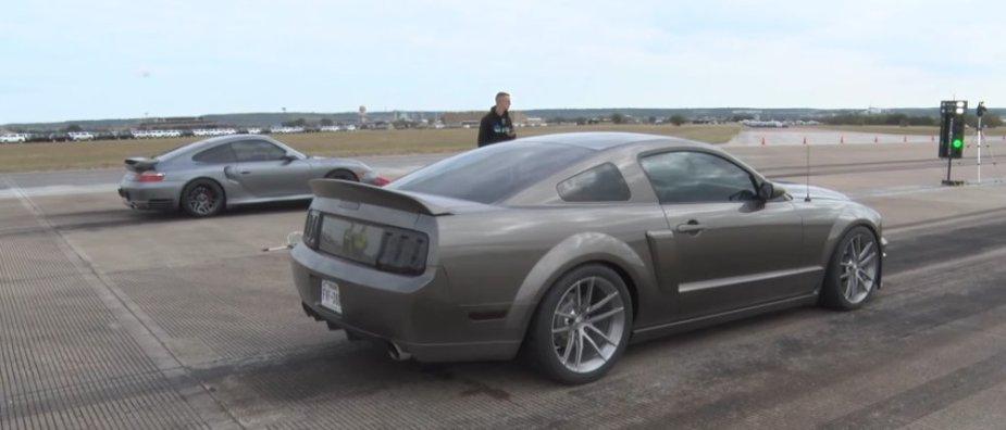 2006 Mustang Vs 911