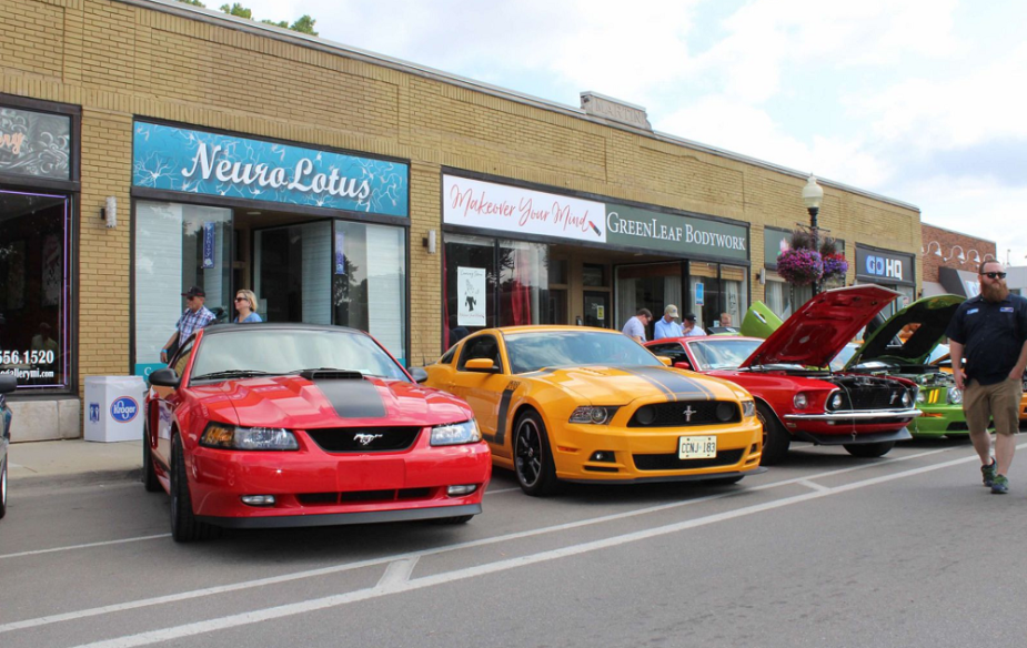Ford Mustang Alley