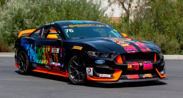 2015 Ford Mustang Shelby GT350R-C Front 3/4