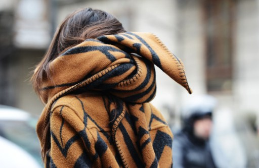 louis-vuitton-blanket-scarf-milan-fashion-week-street-style-2013-scarf-accessory-nyc-street-style-trend-hot-right-now