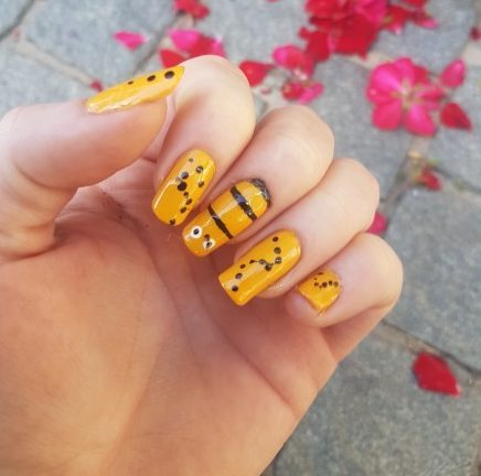 How to cute bumble bee nails the nail chronicle as part of a spring challenge i created bumble bee nails i choose to keep this quite simple however the final result was quite cute prinsesfo Image collections