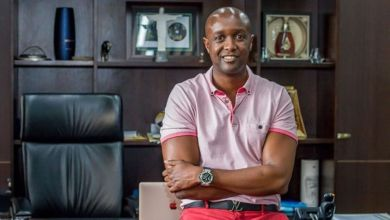 Photo of SportPesa Boss Ronald Karauri Sympathizes with Zarika