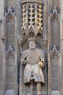 statue-king-henry-viii-above-great-gates-trinity-college-1986281