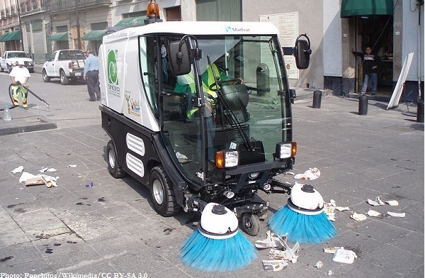 800px-Streetsweeper_CN100_Sinder
