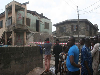 WOMAN KILLED AS ANOTHER LAGOS BUILDING COLLAPSES