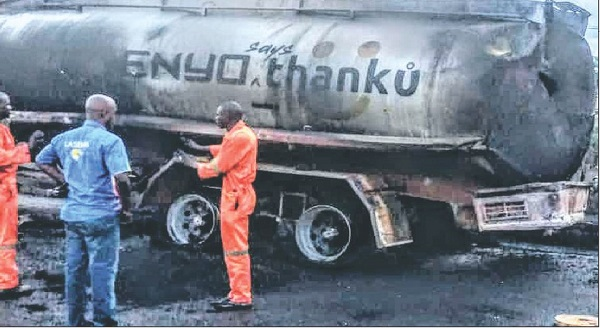 six-vehicles-burnt-in-fresh-petrol-tanker-explosion-on-otedola-bridge