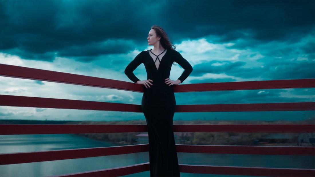 black-dress-1444415_1920