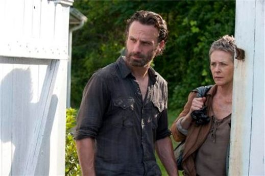 Rick and Carol watch Apricot Girl get eaten by Walkers.