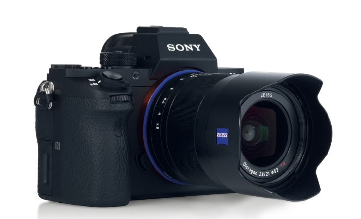 Zeiss lens coming