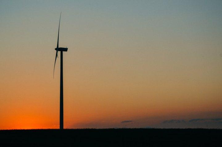 wind_turbine_optimized.jpg
