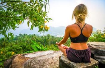 woman-meditating-thailand_373x