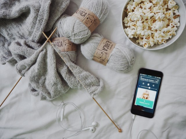 Slow living: 3 ideas to spending a cosy night in (without Netflix)