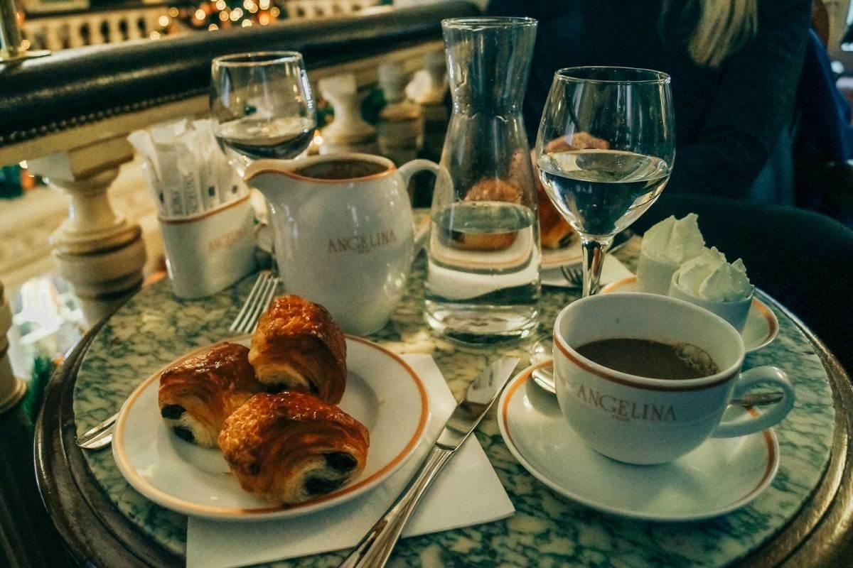 Drink een echt Franse 'Chocolat Chaud' in Parijs