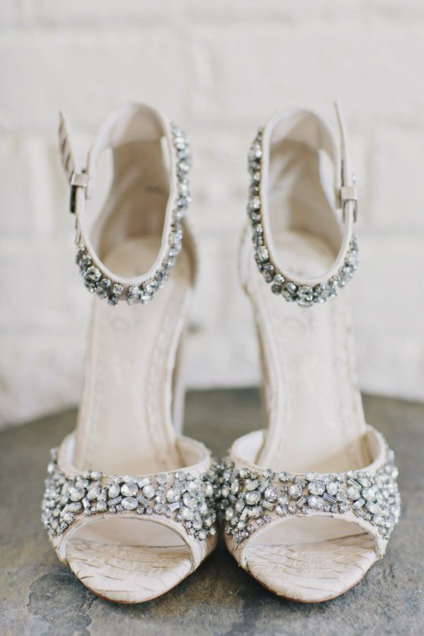 35 of the Best Shoes   The Newport Bride