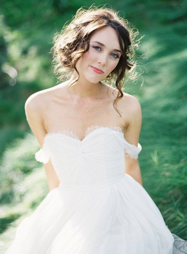 Interview with designer Lindee Daniel on The Newport Bride