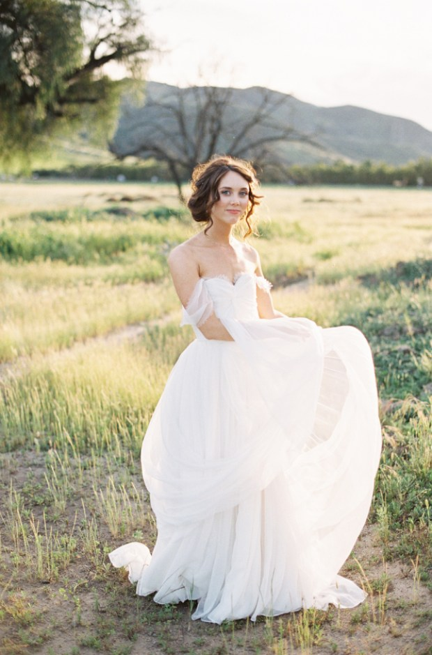 Interview with bridal designer Lindee Daniel on The Newprot Bride