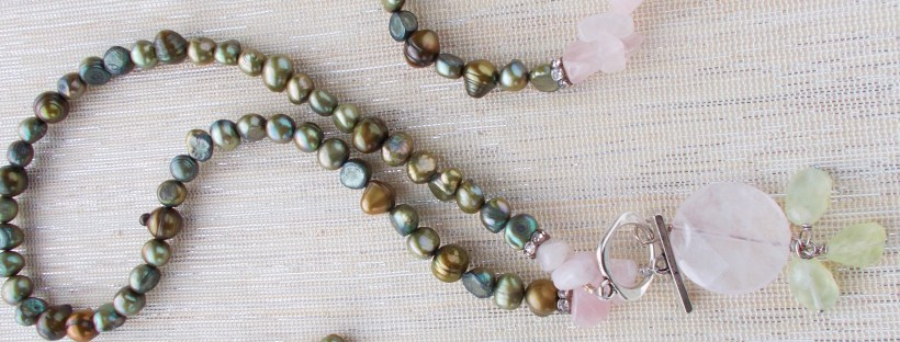 Day 7 of The Newport Bride's 12 Days of Christmas Giveaway - Jewlery set from Katz Meow Designs   The Newport Bride