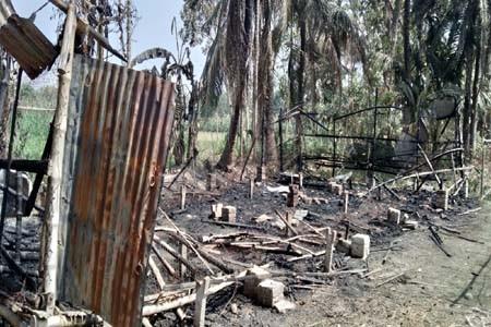 https://thenewse.com/wp-content/uploads/Jhenidah-Fire-Photo-06-03-21.jpg