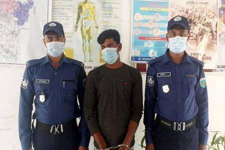 https://thenewse.com/wp-content/uploads/Naogaon-Raninagar-Arest-1.jpg