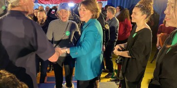 klobuchar-says-she's-moving-on-to-new-hampshire-'no-matter-what'
