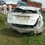 फरार गैंगस्टर को मुंबई से पकड़कर ला रही यूपी पुलिस की गाड़ी पलटी, आरोपी की मौत