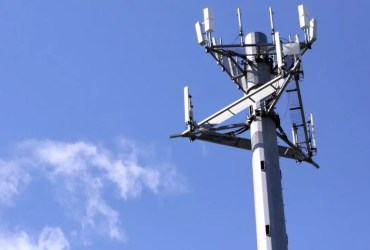 Samsung launches world's first 3GPP compliant LTE network in South Korea