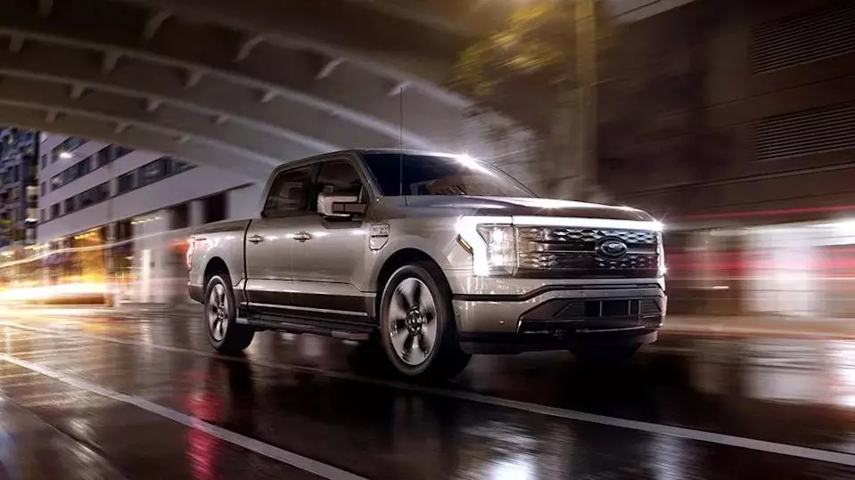 Ford announces F-150 Lightning; the electric truck can reach 60 mph in just 4 seconds