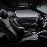 2016 Hyundai Veloster Overview seats