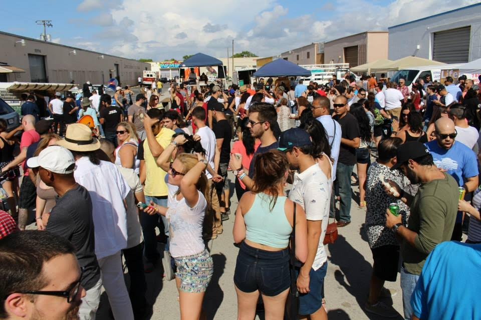 The Leah Arts District street fair crowd. (Courtesy of JLPR)