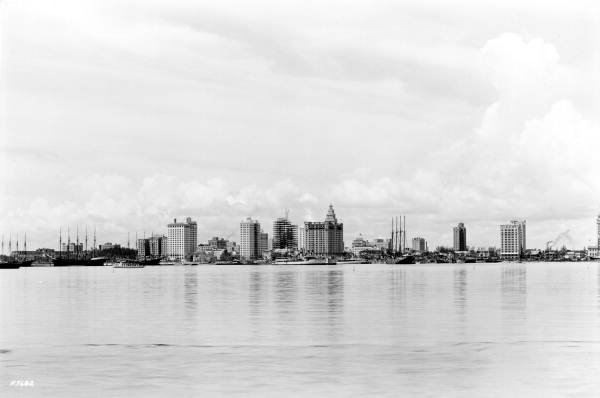 The early Miami skyline in 1926. (Courtesy of State Archives of Florida Florida Memory )