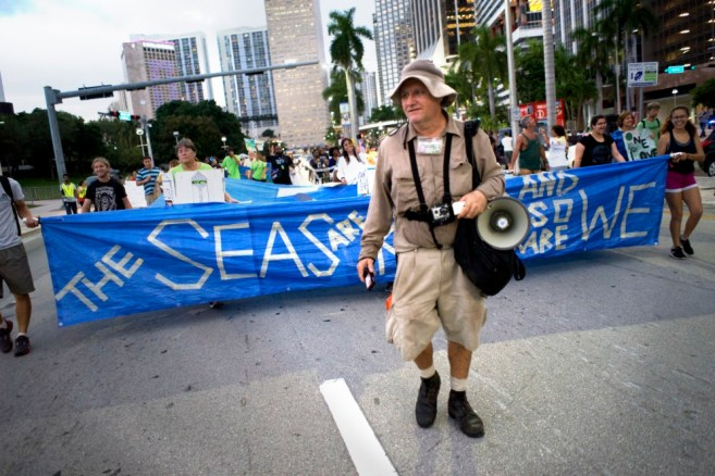 Miami Climate March, leading the UPG sea-level rise float. 2015. (Credit: Elizabeth Fernandez/The New Tropic)