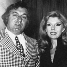 Frank Cotroni posing with Nancy Sinatra (The singer's daughter)