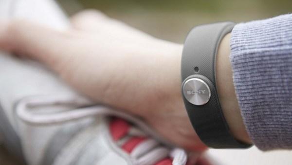 Sony SmartBand SWR10 on a hand
