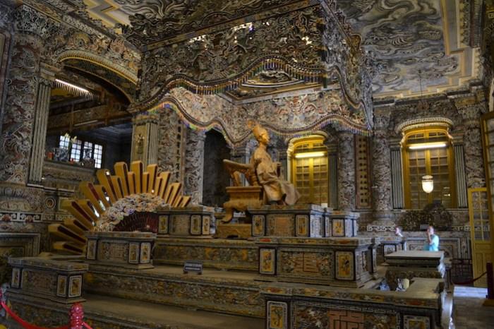 Edificio Thien Dinh en la tumba de Khai Dinh (qué hacer en Hue)