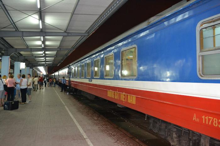 Tren de la compañía Livitrans (Tren nocturno a Hue)