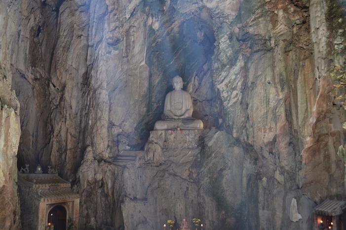 Cueva Huyen Khong de Thuy Son en las montañas de Marmol