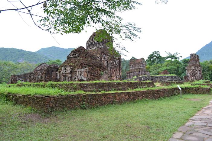 Edificio en el yacimiento de My Son en Hoi An