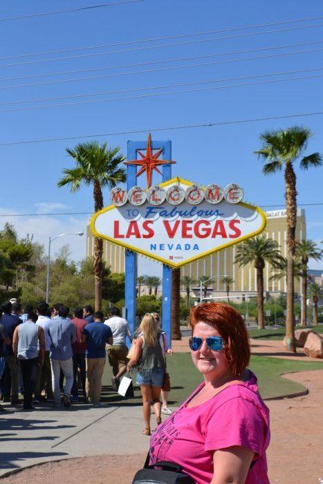 Noemí en el cartel de entrada de Las Vegas