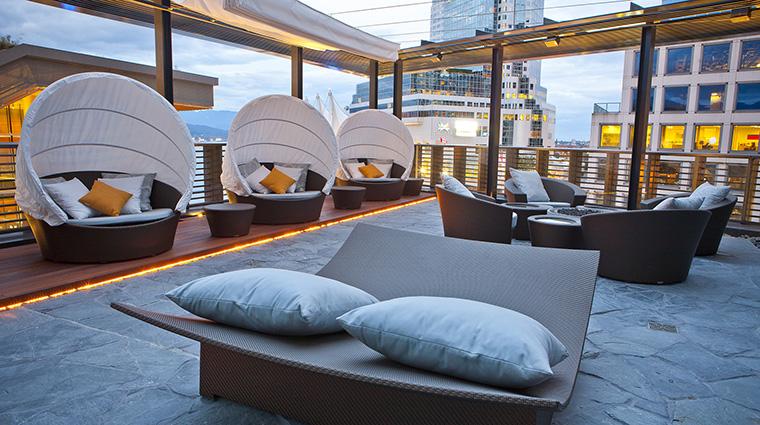 Property-WIllowStreamSpa-Spa-Terrace-FRHIHotels&Resorts